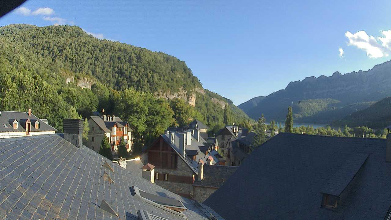 Webcam en El Pueyo de Jaca (1.090m.)